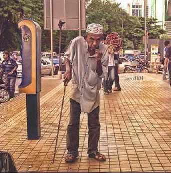 seorang tua di kaki tamadun